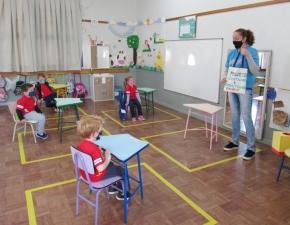 Contando e Encantando - Creche III