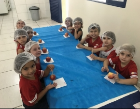 A Maçã do Amor de Chocolate - Educação Infantil