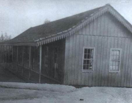1913-1922 Primeiro prédio do Colégio